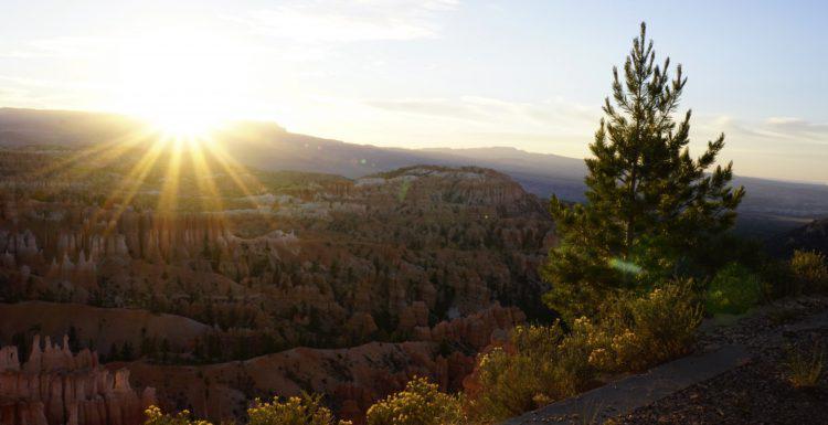 Utah National Parks: Bryce Canyon Sunrise
