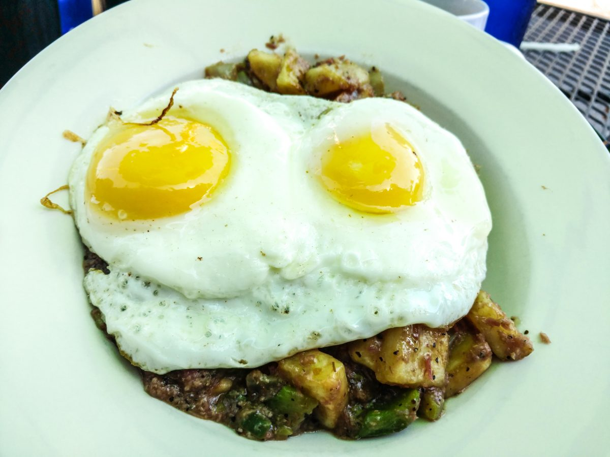 Best Restaurants in Mobile Alabama: Bob's Downtown Diner
