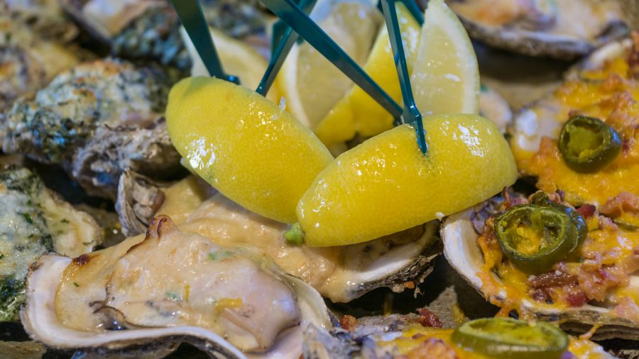 Best Restaurants in Mobile Alabama: Wintzell's Oyster House