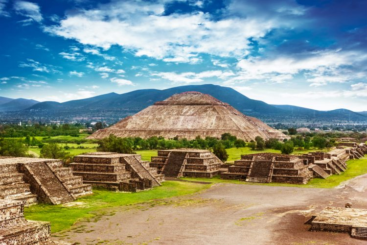 Best Vacation Spots in Mexico - Historic Maya Ruins in Mexico